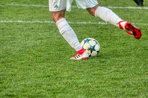 Features Of Soccer Cleats: