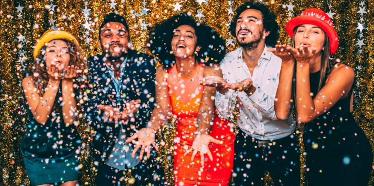 What Are The Steps To Organize A Beautiful Company Party?