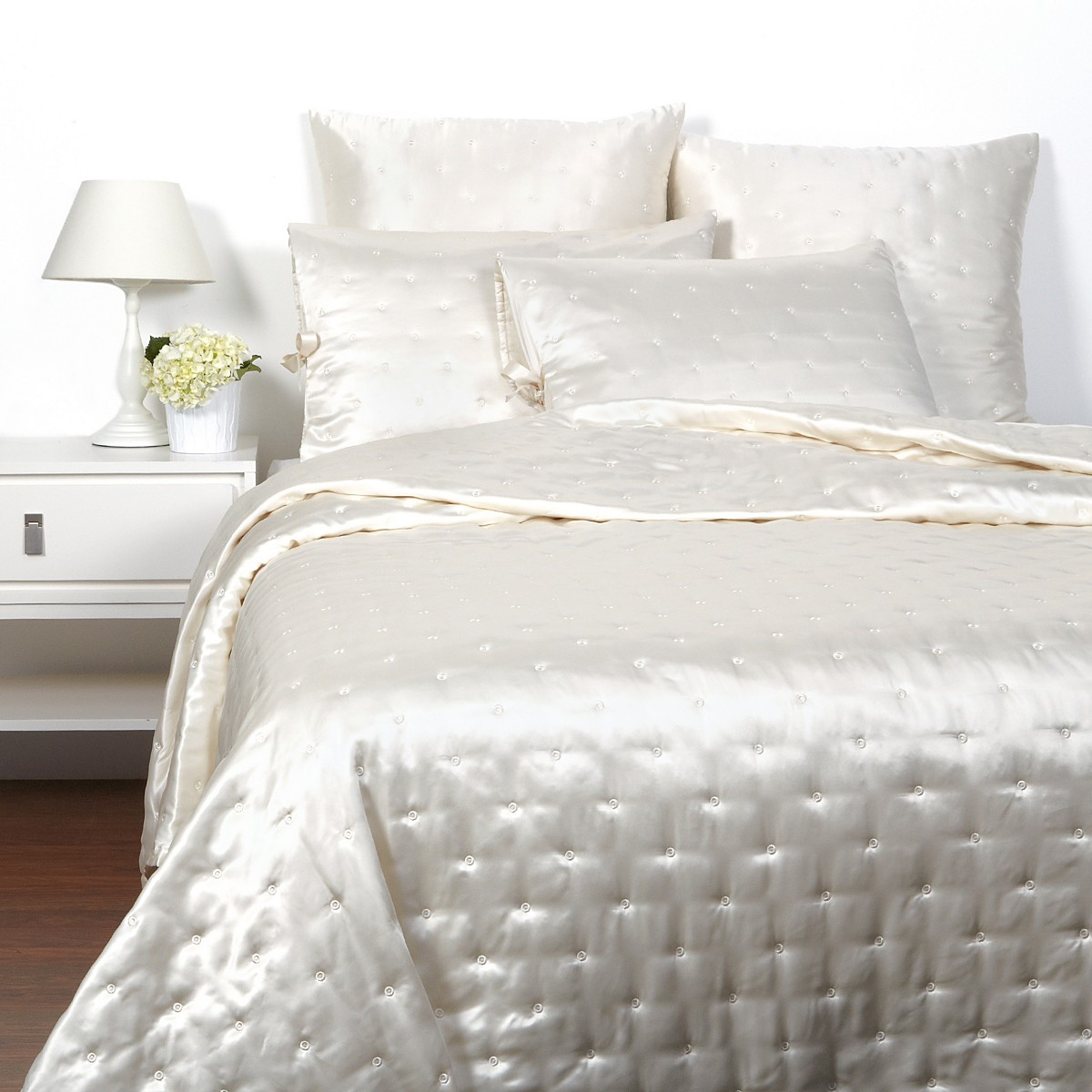 Which Fabric Of Bedsheet Is Considered Best For Use?